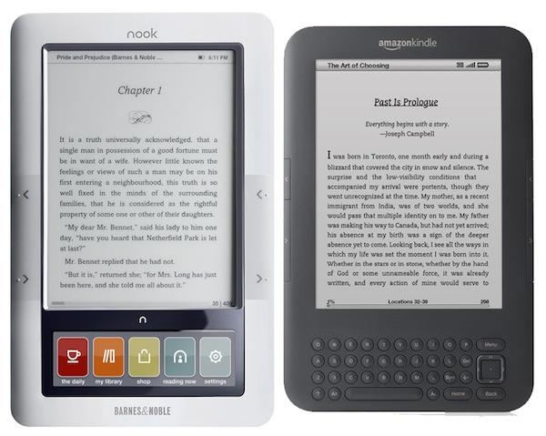 Un Kindle et un Nook cote à cote