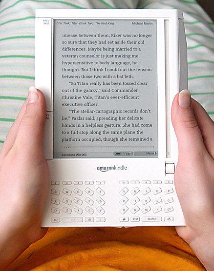 Première liseuse Kindle sortie en 2007