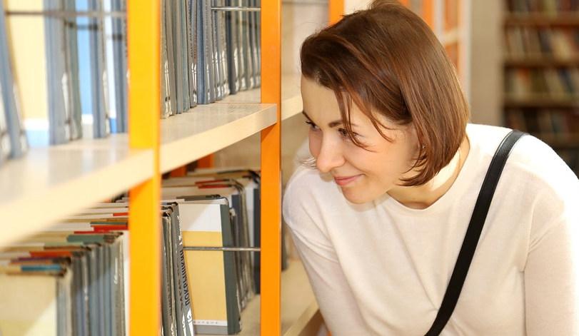 Librairie livres lecture femme