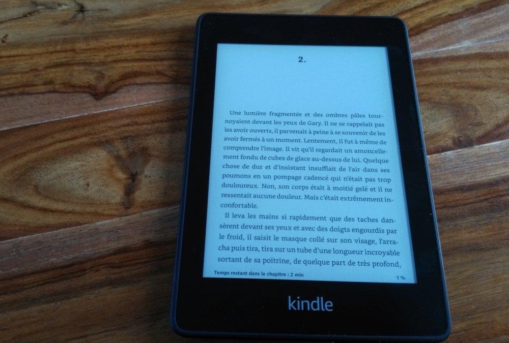 Test Kindle Paperwhite : lecture livre avec éclairage