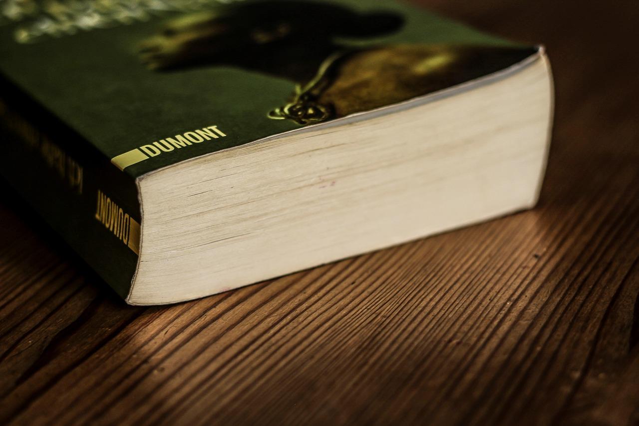 un livre papier