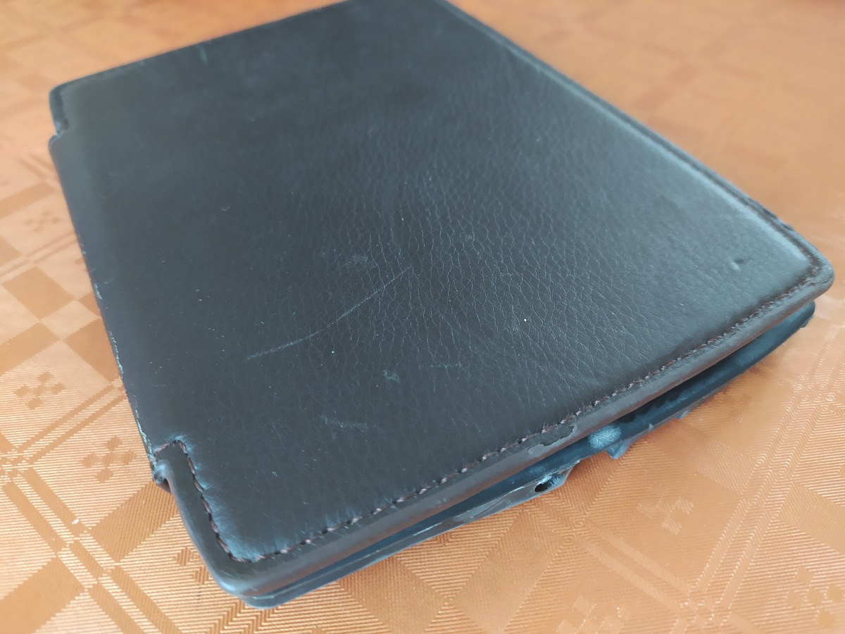 une housse liseuse bookeen cybook