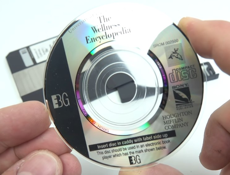 un cd data discman de 8 cm